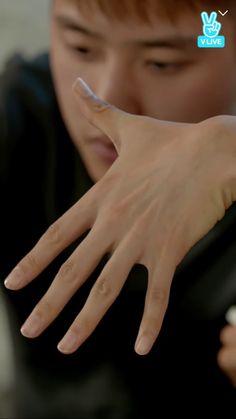 Baekhyun hand