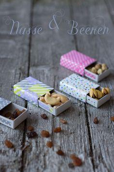 Steichholzschachtel für Beeren und Nüsse - Carrts for Claire auch ein schönes Mitbringsel für Kinder