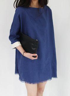 [BLACKFIT] FRINGED HEM SHIFT DRESS