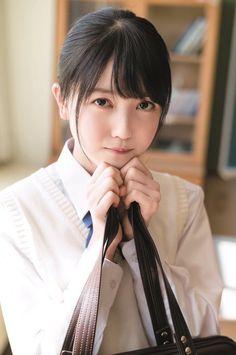松田好花さんのコスチューム
