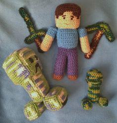 Minecraft amigurumi - Steve and some creepers