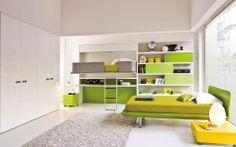 Designer Schrankbett System Lollidesk, um Kindern den Platz zum Spielen zu lassen.