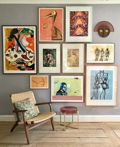 64 outstanding gallery wall decor ideas 26 ~ Design And Decoration Inspiration Wand, Interior Inspiration, Home And Deco, Home And Living, Home Art, Living Room Decor, Living Room Artwork, Picture Wall Living Room, Bedroom Artwork
