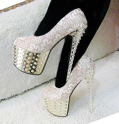 Beautiful shoes http://www.bfashionista.com/