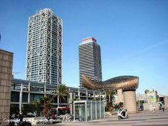 Essential guide to 5 star hotels in Barcelona, Spain city centre. Location guide with photos of hotel and surrounding area. Barcelona Tourist, Barcelona Hotels, Barcelona Spain, Arts Barcelona, Barceloneta Beach, Great Hotel, Hotel Reviews, Willis Tower, Skyscraper