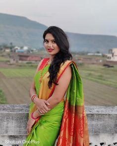 Beautiful Girl Indian, Beautiful Saree, Beautiful Women, Wedding Couple Photos, Wedding Couples, Ethnic, Sari, Asian, Hair Styles