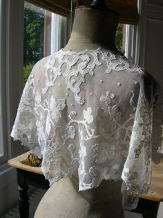 Stunning antique French embroidered tulle lace wedding shawl capelet mantilla