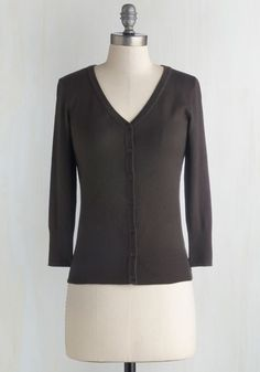 Charter School Cardigan in Charcoal. Show your style smarts in this versatile cardigan! #grey #modcloth