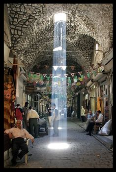 Old covered bazar (Souq el Madinah), Aleppo, Syria (now destroyed). Syria Before And After, Aleppo City, Naher Osten, Palmyra, Islamic Architecture, Old Photos, Places To See, Beautiful Places, Laos