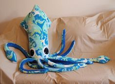 Giant fleece squid ... I could make that.  It seems like a quicker make than the one I want to knit....