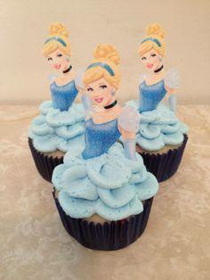 Cinderella cupcakes Cinderella Party Food, Cinderella Party Decorations, Cinderella Cupcakes, Cinderella Theme, Cinderella Birthday Cakes, 4th Birthday Parties, 1st Birthday Girls, Birthday Cupcakes, Birthday Ideas