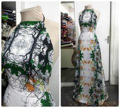 Vestido de crepe chanel, com frente única e a saia cortada no viés. #vestido #dress #vies #crepe