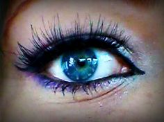 Blue eye make up