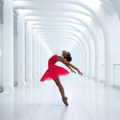 lordbyron44:  Ballerina Ingrid Silva™ Professional Ballet dancer - Photo by @underground_nyc