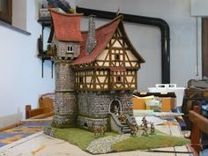 Miniature Warfare: Eye Candy - Scenic and Terrain from capochino. Minecraft Kingdom, Diy Fimo, Figurine Warhammer, Medieval Houses, Medieval Art, Game Terrain, Minecraft Architecture, Minecraft Blueprints, Wargaming Terrain