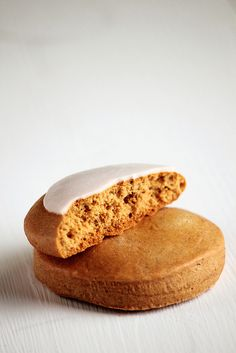 honey cookies with cinnamOn nutmeg cloves & anise glaze