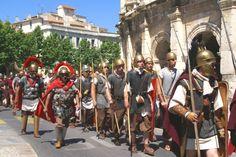 De par son caractère historique, Nîmes organise chaque année ses Grands Jeux Romains Nimes France, Le Gard, Pont Du Gard, Roman Legion, Dark Ages, The Darkest, Street View, Image, Festivals