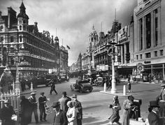 """""""St Giles Circus in 1920."""""""