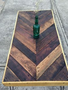 Chevron Reclaimed Pallet Wood Coffee Table by WoodchucksLP on… Wood Pallet Tables, Wooden Pallets, Pallet Furniture, Furniture Projects, Pallet Wood, Outdoor Furniture, Reclaimed Wood Tables, Pallet Table Outdoor, Pallet Table Top