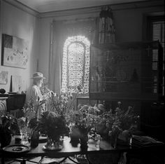 Matisse at his Vence studio with his birds and plants in 1946