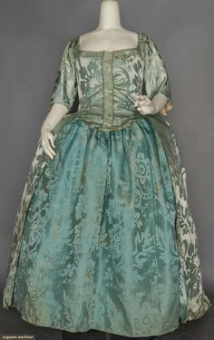 BLUE ROBE A'LANGLAISE & PETTICOAT, 18TH C | Augusta Auctions