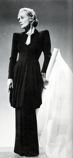 Carole Lombard as 'Ann Krausheimer Smith' - 1941 - Costume Gown by Irene aka Irene Lentz (American, 1900-1962) - 'Mr. & Mrs. Smith' - Director:  Alfred Hitchcock - @Mlle