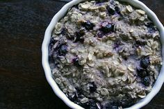 """Blueberry """"Muffin"""" Baked Oatmeal ~ The Skinny Weigh Low Carb Oatmeal, Baked Oatmeal, Delicious Desserts, Yummy Food, Healthy Desserts, Healthy Food, Healthy Oatmeal Recipes, Homemade Oatmeal, Nutritious Breakfast"""