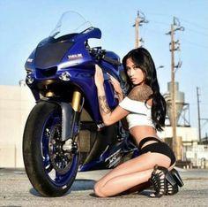 Lady Biker, Biker Girl, R1 Bike, Biker Photos, Female Cyclist, Cafe Racer Girl, Hot Bikes, Moto Style, Yamaha Yzf