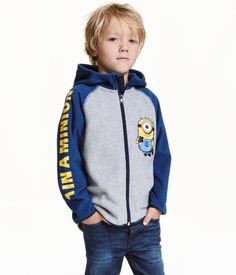 Gray/Minions. Jacket in soft thermal fleece with a printed motif. Hood, zip at…