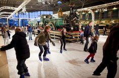 Kom ook gezellig schaatsen langs grote treinen in Het Spoorwegmuseum.