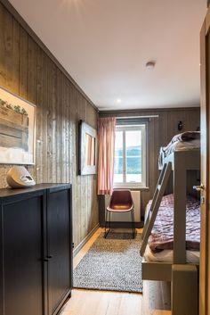 . Mullfjället 2, lgh 598 - Bjurfors Mirror, Furniture, Home Decor, Decoration Home, Room Decor, Mirrors, Home Furnishings, Arredamento, Interior Decorating