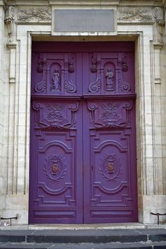 Shades of purple - Variations  of Pantone's Color of the Year 2014: Radiant Orchid - Purple doors - Paris, France #ApexExteriors