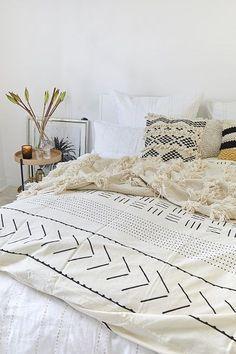 Living Room Furniture, Living Room Decor, Hygge, Blanket, Boho, Bedroom, Interior Design, Inspiration, Plaid