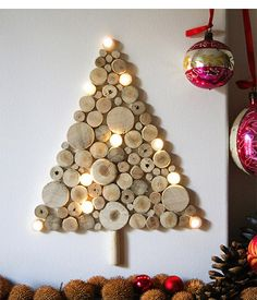 A wall Christmas tree can be very useful especially for small living rooms.Today we have chosen some Creative Wall Christmas Tree Designs that you can DIY Unusual Christmas Trees, Creative Christmas Trees, Alternative Christmas Tree, Christmas Tree Design, Wooden Christmas Trees, Beautiful Christmas Trees, Noel Christmas, Modern Christmas, Holiday Tree