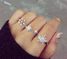 Diamond snowflake rings girly beautiful jewelry winter rings diamond snowflake snowflakes