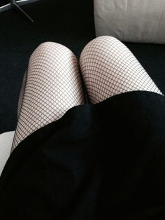 legs, pale, and soft grunge image