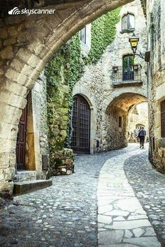 Picturesque street in Costa Brava. Photo by See Spain. The Places Youll Go, Places To See, Begur Costa Brava, Beautiful World, Beautiful Places, Spain And Portugal, Spain Travel, Places To Travel, Landscape Photography