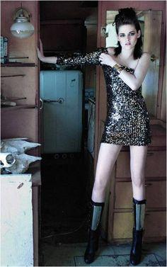 Kristen Stewart has that rock glam Rainbowdash pony look that I love. Kristen Stewart, Sils Maria, World Most Beautiful Woman, Beautiful Women, Attractive Girls, Beautiful Celebrities, Hollywood Actresses, American Actress, Celebs