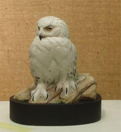 Snowy Owl Miniature Carving by Bob Guge Wooden Feather, Snowy Owl, Owl Art, Wildlife Art, Wood Sculpture, Beautiful Birds, Blue Bird, Pet Birds, Cedar Waxwing