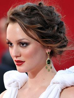 Leighton Meester Red Carpet Hair. i couldn't ever pull this off.. but blair.. <3