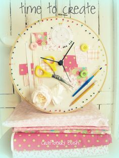 Such a great idea, and how easy to do with everyday crafting items. Purchase the embroidery hoop and clock movement at Michaels. Would make a great, inexpensive gift.