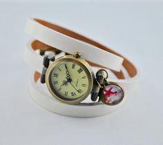Armbanduhren - Echtleder Wickelarmbanduhr in weiß mit Cabochon - ein Designerstück von mias-dekostube bei DaWanda
