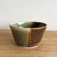 bowl with two colors   by dikylf