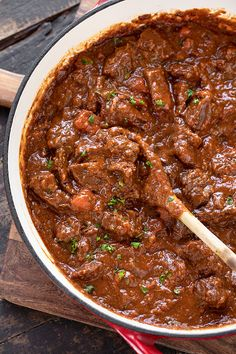 Beef Goulash is a classic Eastern European recipe, prepared with tender chunks of beef simmered in a rich and flavorful sauce! Beef Goulash, Goulash Recipes, Steak Recipes, Dip Recipes, Dinner Recipes, Eastern European Recipes, European Dishes, Gourmet Recipes, Deserts