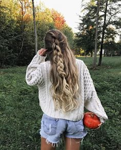19 Super Easy Hairstyles for 2018 - Peinados Super Easy Hairstyles, Hairstyles For School, Pretty Hairstyles, Braided Hairstyles, Country Hairstyles, Braid Half Up Half Down, Braided Half Up, Curly Hair Styles, Long Curly Hair