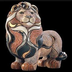 Lion Standing Figurine De Rosa Artesania Rinconada