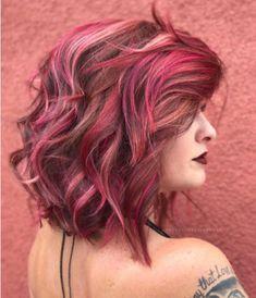 Pink and peach hair color idea for 2019 Violet Hair Colors, Hair Color Pink, Cool Hair Color, Pink Hair, Raspberry Hair Color, Hair Color Swatches, I Like Your Hair, Hair Highlights, Peekaboo Highlights