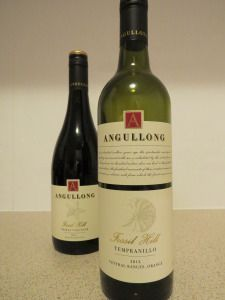 Angullong Fossil Hill Tempranillo & Angullong Fossil Hill Shiraz Viognier. Reviewed at http://Vinonotebook.com, by Regan Drew Angellong is in the Orange Wine Region of NSW