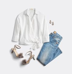 Wondering if embellished jeans are trending? Read on for our Stylist's take on whether or not embellished denim is in. Holiday Fashion, Holiday Outfits, Spring Fashion, Date Outfits, Fashion Outfits, Fashion 2018, Trendy Outfits, Runway Fashion, Summer Outfits