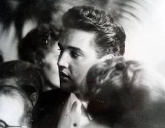 """In july 30 1961 Elvis visit Weeki Wachee spring in Florida. Elvis was filming """"Follow that Dream at the time. Here hundred of fans was there for him."""